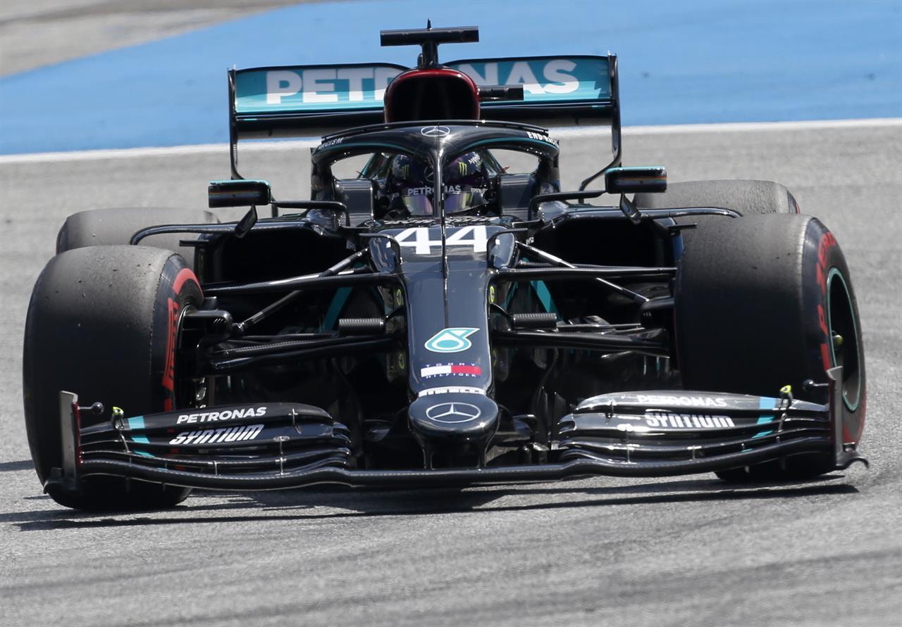 Bottas shows he can handle pressure in winning Austrian GP