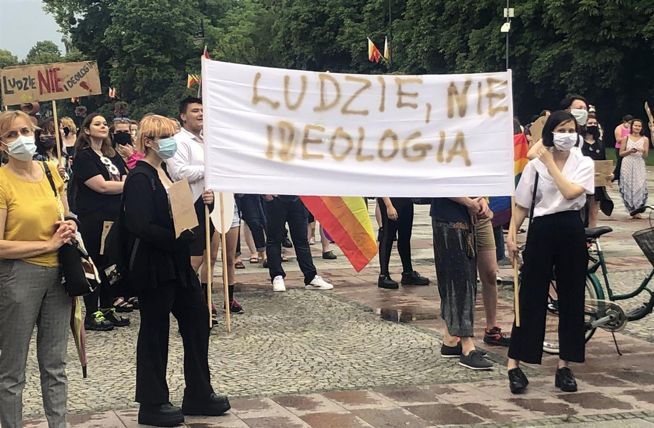 Poland's LGBT community feels fear and anger after election