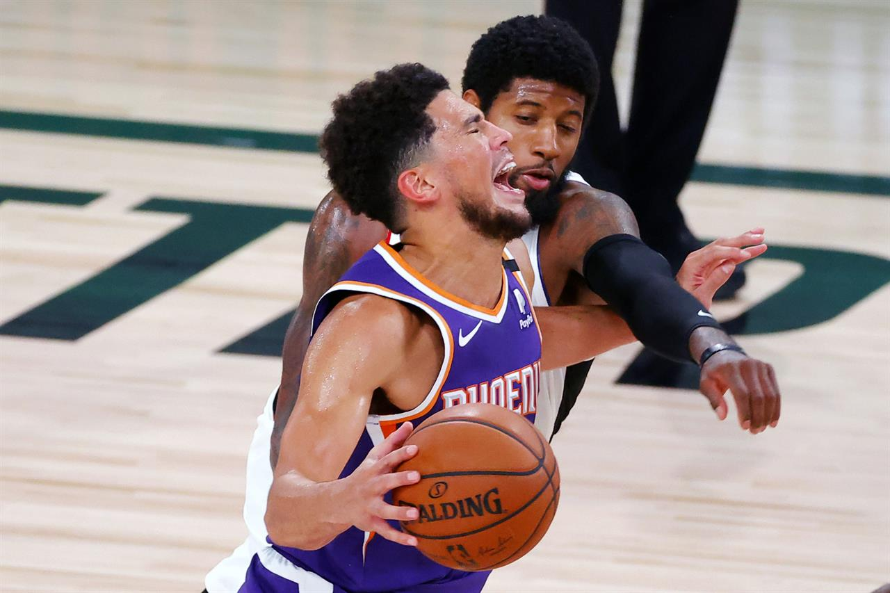 Booker's shot at buzzer leads Suns over Clippers 117-115