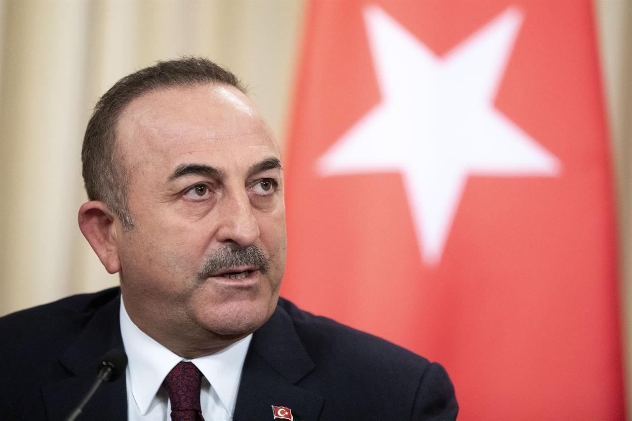 Turkey's FM urges Russia to halt Syrian government attacks