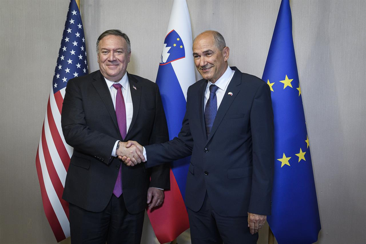 Pompeo, in Slovenia, pushes 5G security, warns about China