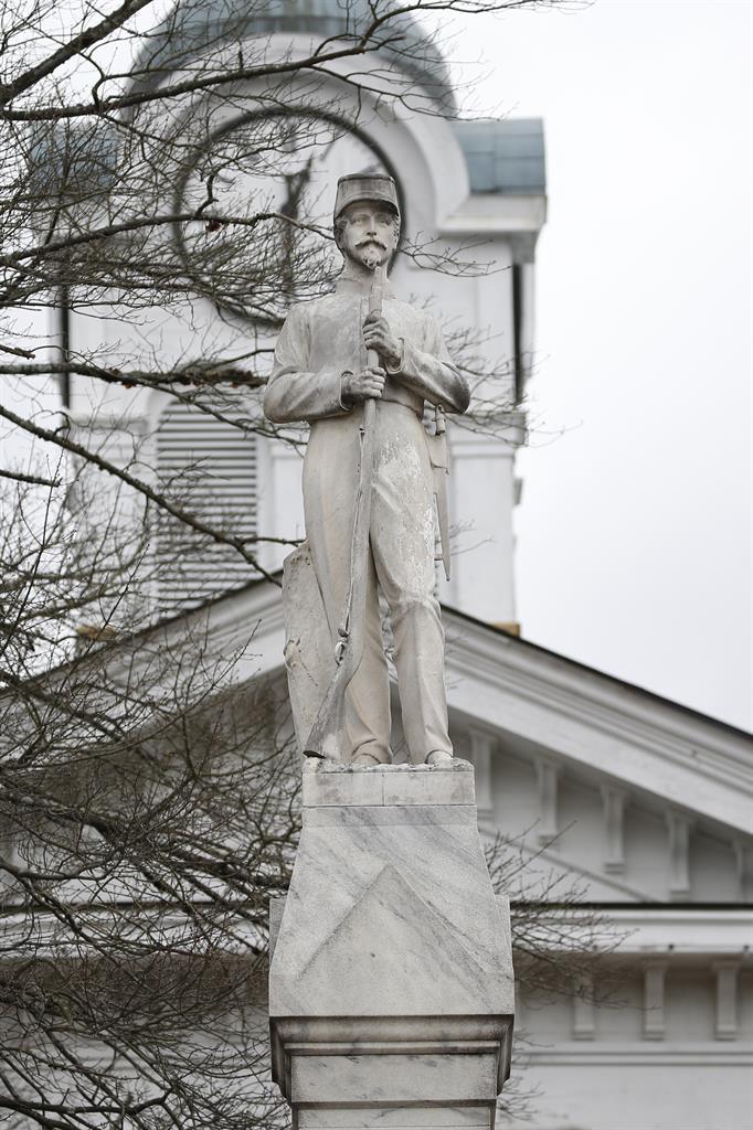 Debate Over Cecil Rhodes Statue at Oxford Gains Steam