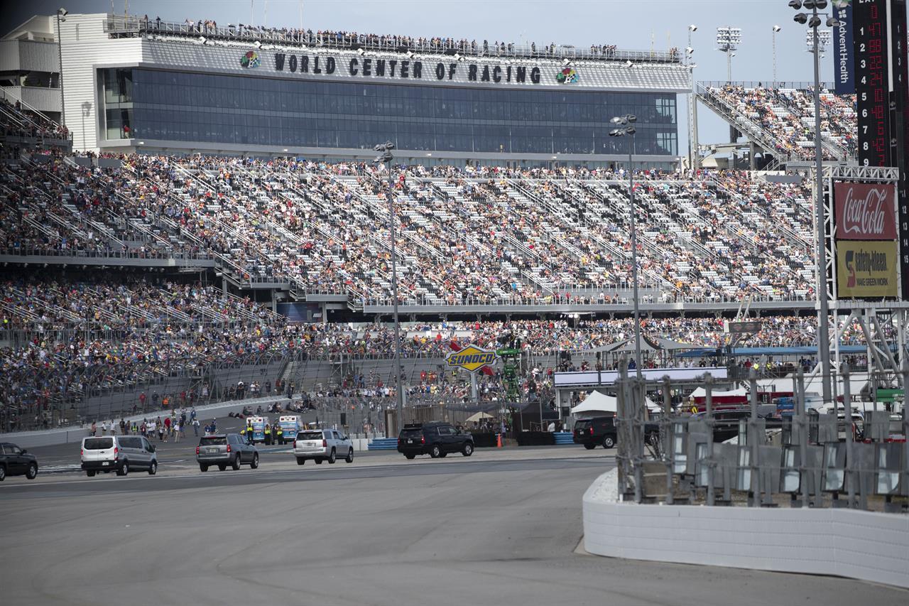 Rain postpones Daytona 500, dampening event, Trump's visit