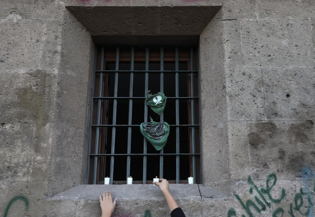 Murdered Mexico City girl buried amid grief, outrage