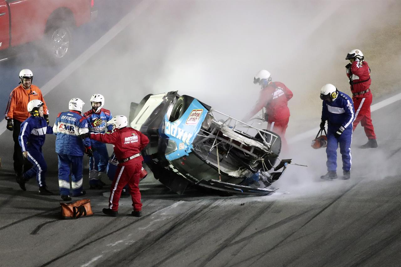 Newman awake, speaking after horrific Daytona 500 crash