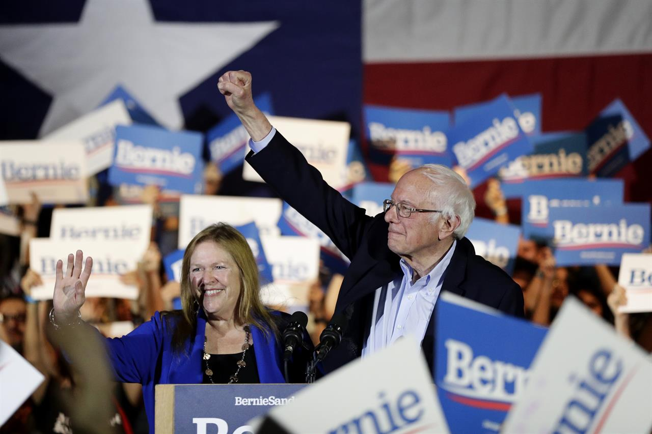Moderates hustle to blunt Sanders' momentum after Nevada win