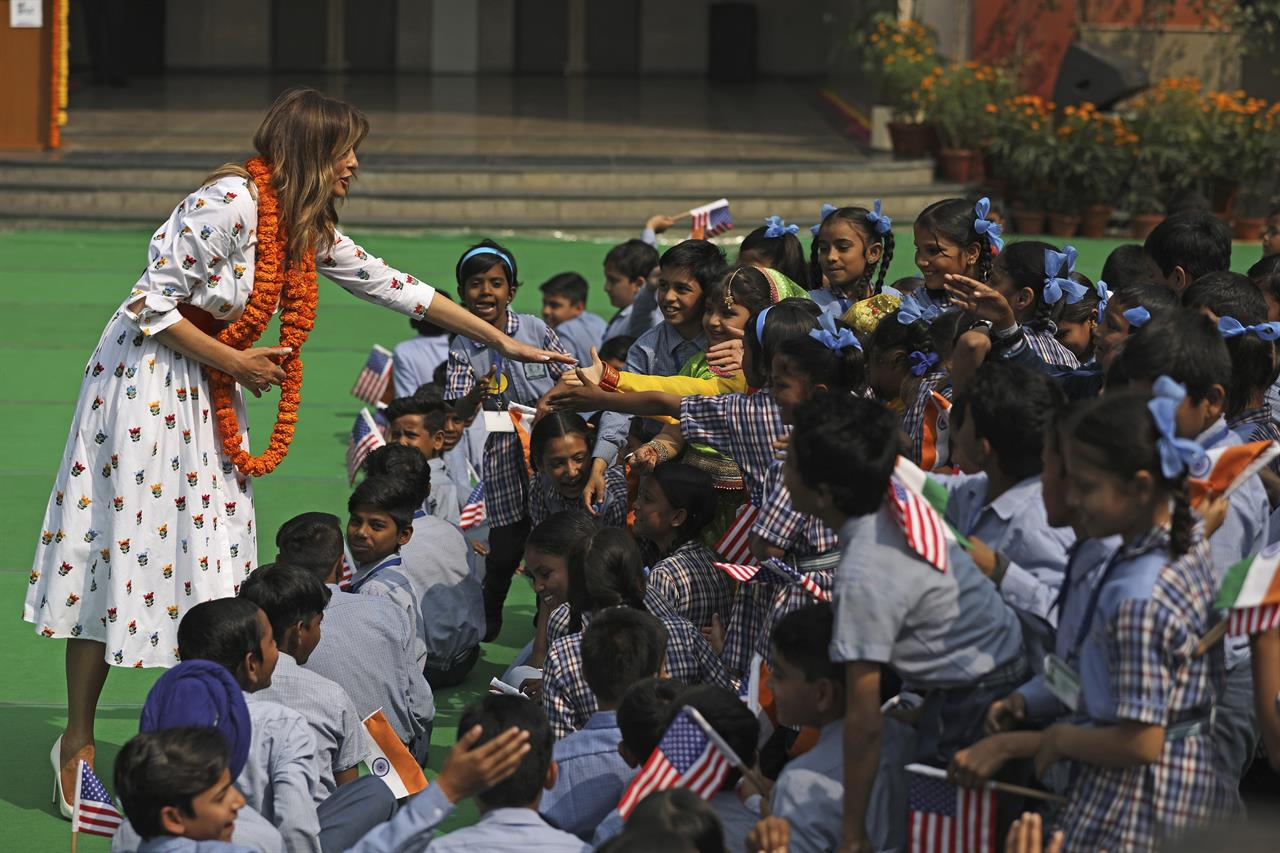 US first lady meditates, relaxes in Indian 'happiness' class