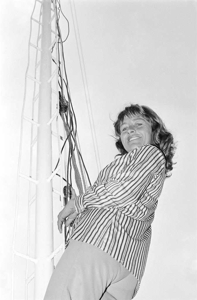 """Carla Wallenda has no fear of flying in Pawtucket, Rhode Island on July 16, 1982. Carla Wallenda, a member of """"The Flying Wallendas"""" high-wire act and the last surviving child of the famed troupe's founder, has died. Her family said she died Saturday, March 6, 2021 in Sarasota, Fla. (AP Photo, file)"""